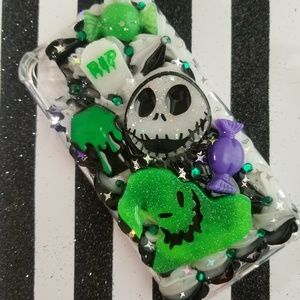 iPhone xr jack skellington and oogie phone case